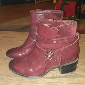 Naturalizer 8.5 wide maroon boots